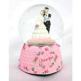 I Love You Musical Valentine Snow Globe